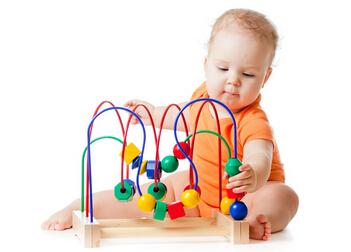 一周岁宝宝玩具选择能拖动和发声的玩具最好